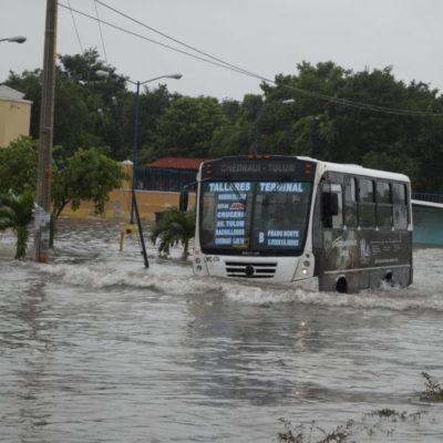 VIDEO | Dejan los remanentes de 'Franklin' calles y avenidas inundadas y ausentismo en escuelas de Cancún