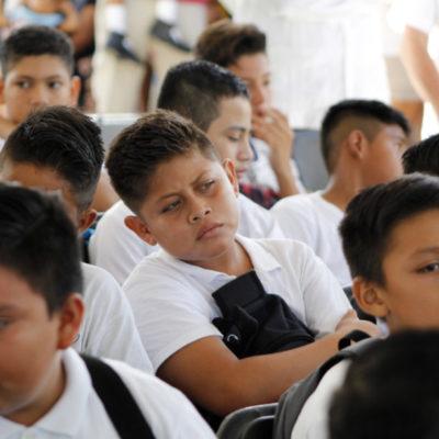 EL REGRESO A CLASES: Entre fuerte ausentismo y aulas inconclusas, vuelven 327 mil alumnos a las escuelas y lo resiente el tráfico vehicular