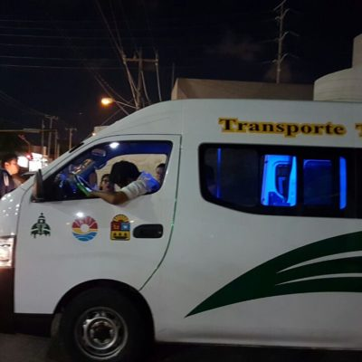 EJECUTAN A CONDUCTOR DE COMBI DE TTE: Frente a sus pasajeros, tirotean al chofer de la Ruta 237 en ola de violencia que no para en Cancún