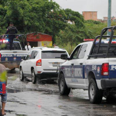 Interceptan camioneta con presuntos sospechosos armados; detienen a uno que tenía orden de aprehensión