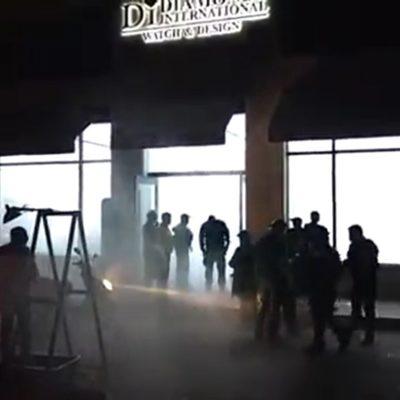 OTRO GOLPE A LA QUINTA AVENIDA: Asaltan joyería Diamonds en plena zona turística de Playa del Carmen; detienen a tres y aseguran camioneta con armas y joyas