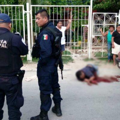 APUÑALAN A TAXISTA DE IM EN CANCÚN: En un intento de robo, muere hombre en la Avenida Rancho Viejo en la Región 236; detienen a 3 presuntos implicados