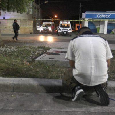 """""""MINUTOS ANTES ME COBRÓ EL PASAJE Y DESPUÉS YA ESTABA MUERTO"""": Ejecución de chofer de urvan eleva a casi 100 la estadística de violencia en Cancún"""