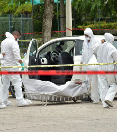 HALLAN ENCAJUELADO EN CANCÚN: Reportan cuerpo putrefacto en coche en el centro de Cancún