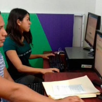 Dos mil estudiantes sin cupo harán prepa en línea en Quintana Roo