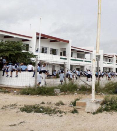 MÁS VALE TARDE QUE NUNCA: A cuentagotas va llegando el mobiliario a escuelas públicas, a pesar de llevar dos semana de clases