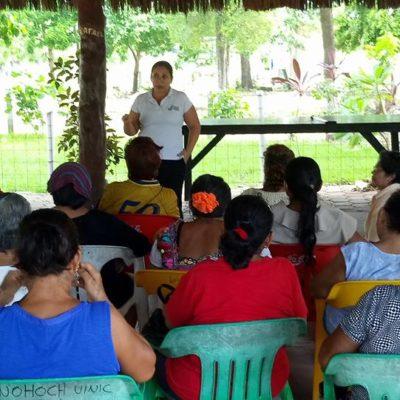 Reciben abuelitos pláticas en materia de derechos humanos y psicología en Puerto Morelos