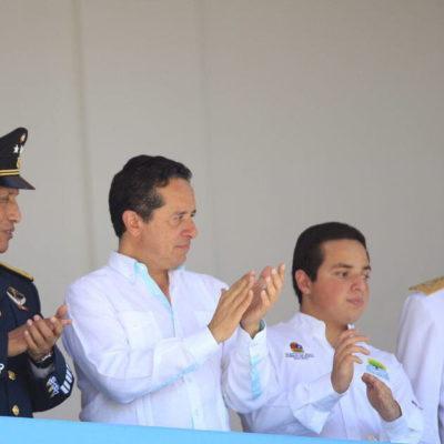 Da Carlos Joaquín pleno reconocimiento a las fuerzas armadas por su apoyo en circunstancias de desastres naturales