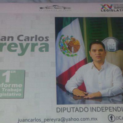 Distribuyen calendarios con la imagen de Juan Carlos Pereyra en Playa del Carmen
