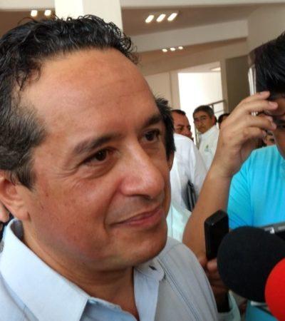Carlos Joaquín, a favor de proteger la Laguna de Bacalar