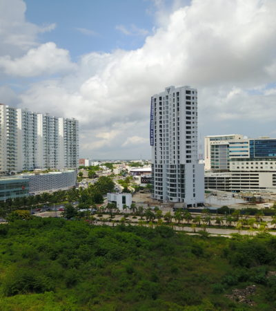 LA CLAUSURA DEL 'YNFINITY': El polémico desarrollo inmobiliario en Malecón Tajamar a vuelo de dron