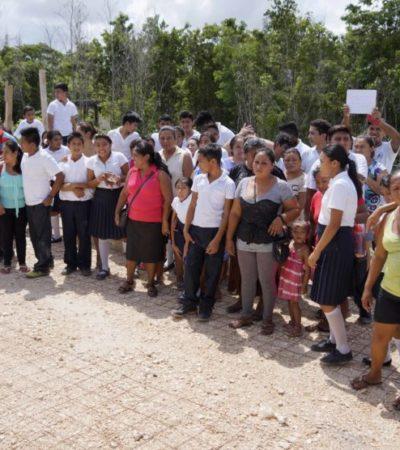Reclaman padres y estudiantes 'escuela digna' en colonia irregular El Pedregal de Cancún