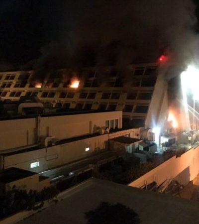 INCENDIO EN EL OASIS CANCÚN: Fuerte movilización para controlar siniestro en Zona Hotelera