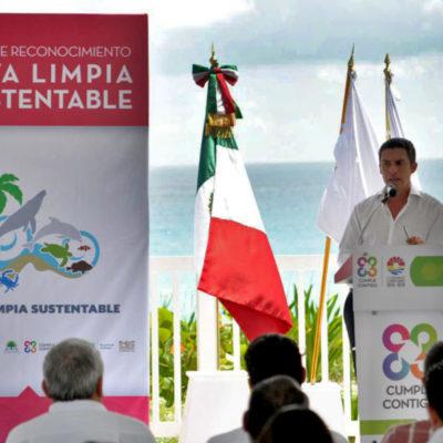 Entrega Semarnat en Playa Delfines los primeros distintivos de Playa Limpia Sustentable en la Región
