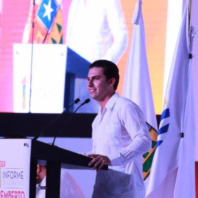 """""""No pararemos hasta lograr un Benito Juárez de 10"""", dice Remberto Estrada en su Primer Informe"""