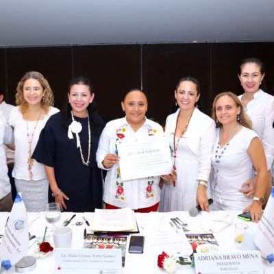 Se reúne Cristina Torres con mujeres empresarias de Solidaridad