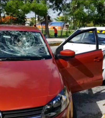DESATAN SU FURIA CONTRA UN UBER: Detienen a 2 taxistas luego de atacar a batazos auto de conductor de la plataforma digital en Cancún