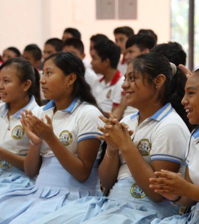 Realiza DIF pláticas para beneficio de los jóvenes en Tulum