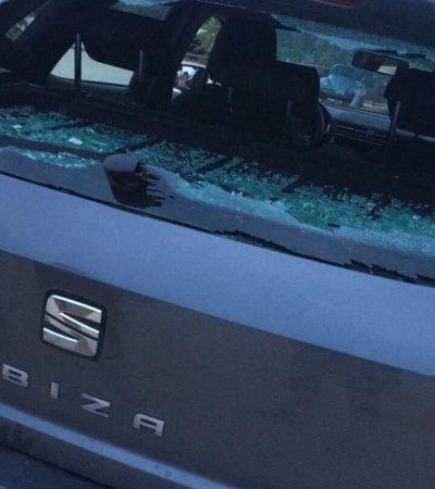 OTRA DE 'TROGLODITAS' CONTRA SUPUESTO UBER: Agreden taxistas de Isla Mujeres a conductor al confundirlo con chofer de la plataforma