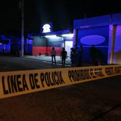 BALEAN A GUARDIA DE BAR EN LA REGIÓN 94: Sicarios en motocicleta le disparan hasta en 8 ocasiones en 'La Diligencia' y escapan