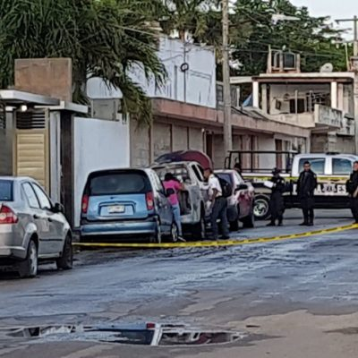 Queman otra camioneta en Chetumal; van 15