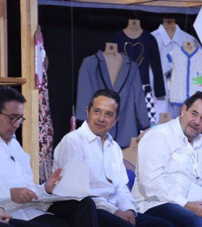 Asiste Carlos Joaquín a Convención Nacional textilera en Puerto Morelos