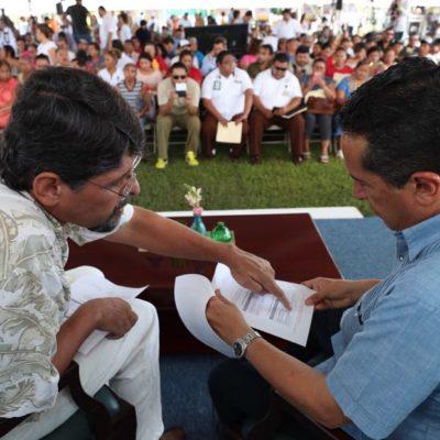 Atiende Carlos Joaquín en audiencia pública a ciudadanos de Puerto Morelos