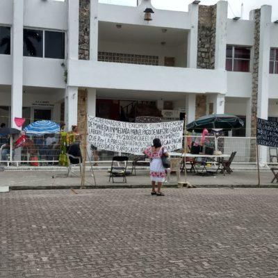 Confían ex trabajadores de Felipe Carrillo Puerto en resolver su conflicto mañana