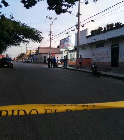 'Corretean' a balazos a un taxi en la avenida Talleres de Cancún