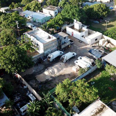 En medio de una crisis en el servicio de recolección de basura en Cancún, media docena de camiones permanecen inservibles