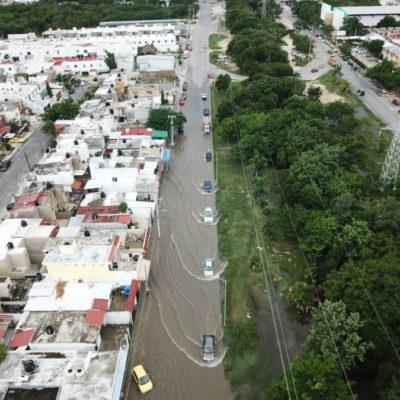 MUCHA AGUA Y CAOS VIAL POR TEMPORAL: Lluvias vuelven a exhibir deficiencias y problemas de Cancún