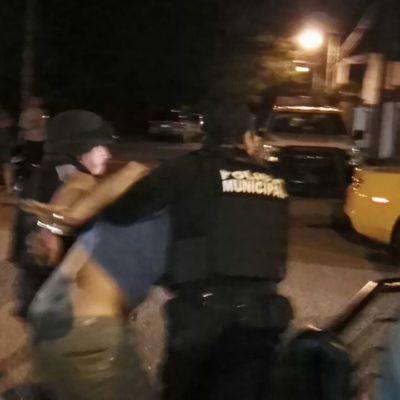 Y CUANDO NO SON LOS SICARIOS…: Detienen a subdirector policiaco acusado de balear casa en estado de ebriedad en Cancún