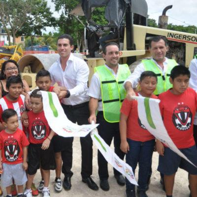 Con inversión de 4 mdp, inician construcción de cancha de pasto sintético en la SM 105 de Cancún
