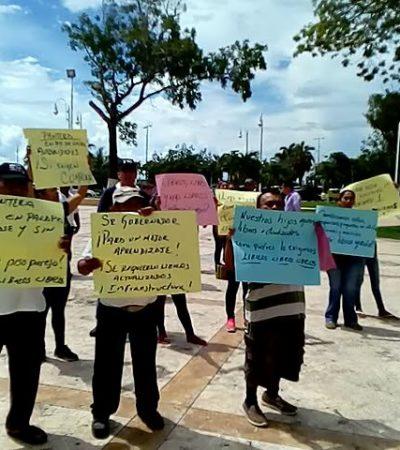 MANIFESTACIÓN EN CHETUMAL: Demandan padres y docentes apoyos educativos