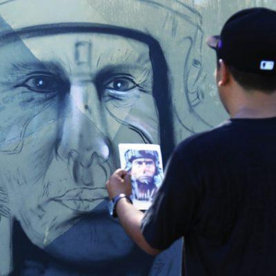 Pintan 35 muralistas urbanos un kilómetro de barda en Playa del Carmen
