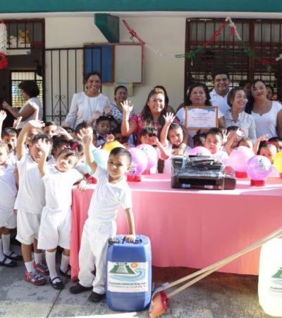 Entrega Alcaldesa equipamiento para escuela en Tulum