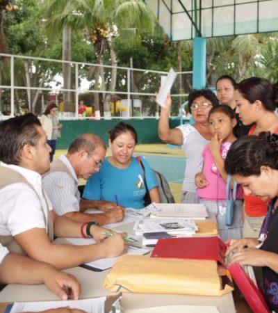Entrega de pólizas de 'Seguro de vida para jefas de familia' en Tulum