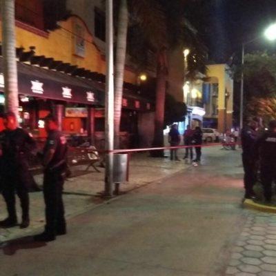 EJECUCIÓN EN ZONA TURÍSTICA: Un muerto y otro herido en bar 'La Jarra' en pleno centro de Playa del Carmen