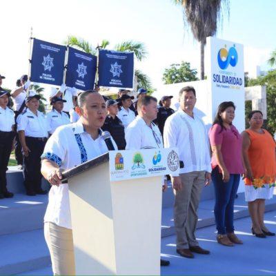 Entrega Cristina Torres 300 chalecos antibalas a la policía de Solidaridad