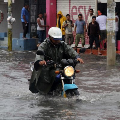 Surgen nuevos baches con cada lluvia en Cancún