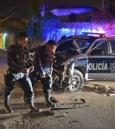 UNA PATRULLA MENOS: Dos heridos al chocar policías durante una persecución en la madrugada en Cancún