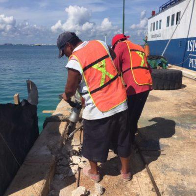 Comienza Apiqroo trabajos de mantenimiento en el muelle de transbordador de Isla Mujeres