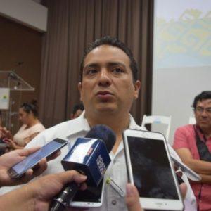 SE TRAGAN EL 'MAL SABOR DE BOCA': Dice Oficial Mayor que quedaron insatisfechos con la empresa que ganó licitación de uniformes, aunque no habrá una sanción mayor en su contra por retrasos