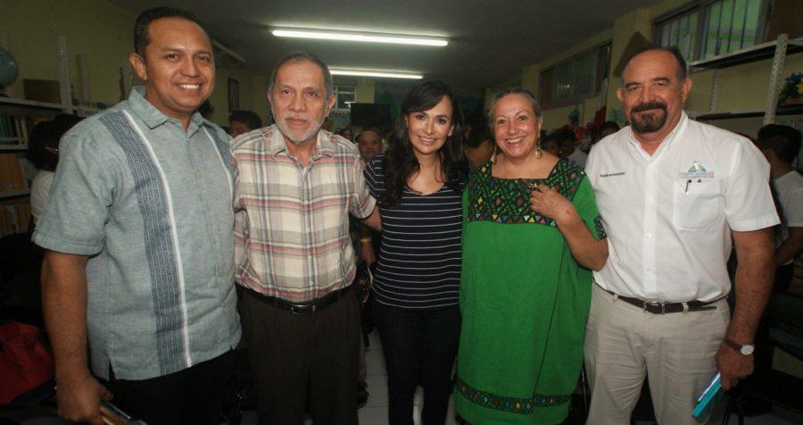 Escritores presentan sus obras en Puerto Morelos para conmemorar el Día Nacional del Libro