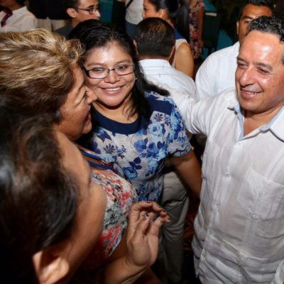 Más de mil emprendedoras del sur y centro de Quintana Roo reciben financiamiento para fortalecer sus negocios o abrir nuevos, destaca Gobernador