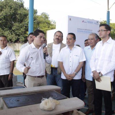 Entrega Carlos Joaquín 700 estufas ecológicas en José María Morelos