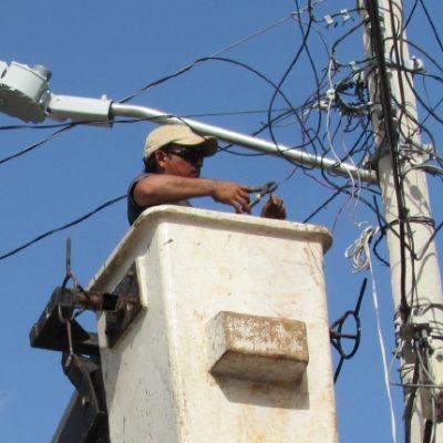 Revisarán diputados con detenimiento concesión de luminarias, dicen