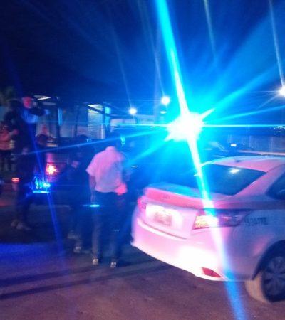 Detienen a pareja en taxi con placas falsas en Chetumal