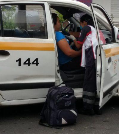 Chocan a taxi en conflictivo cruce de Chetumal; una mujer, lesionada