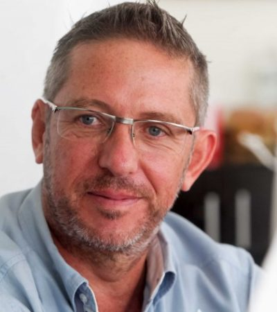 EL PRIMERO EN TIRAR LA TOALLA: Desiste James Tobin de candidatura independiente en QR